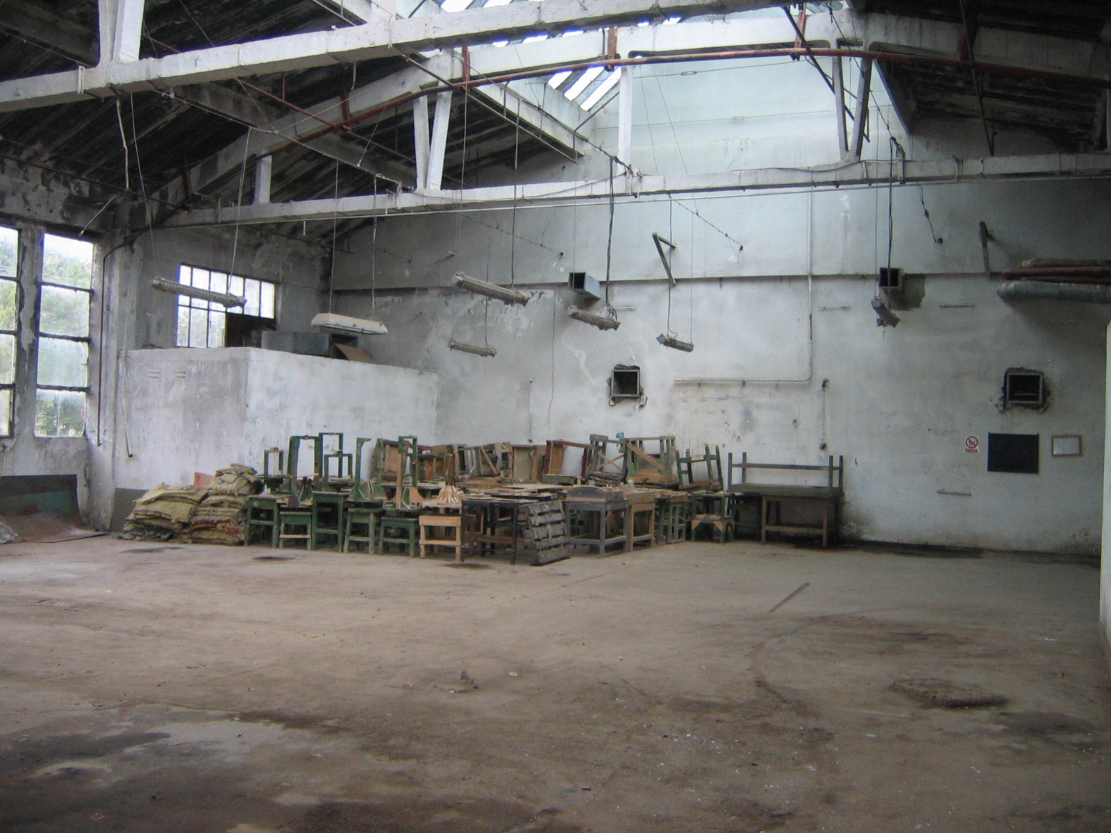 PRODUCTION HALL  10.000 sqm Comanesti Romania -