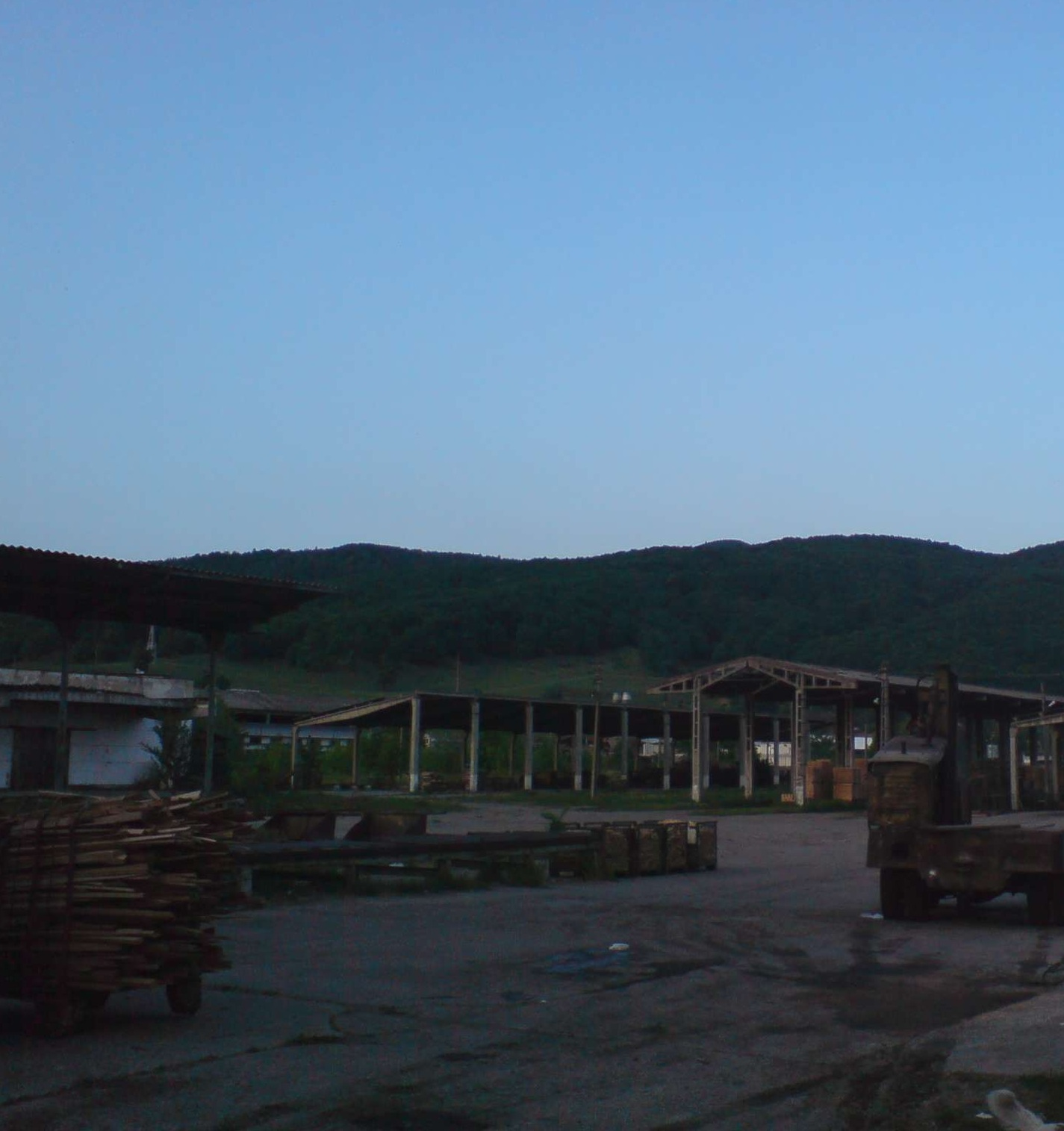 LAND  49.200 sqm Comanesti Romania -